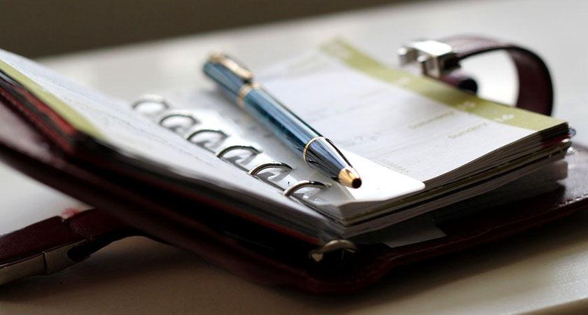 agenda con lapicera